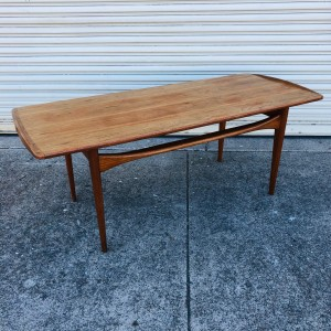 Tove Edvard Kindt Larsen coffee table